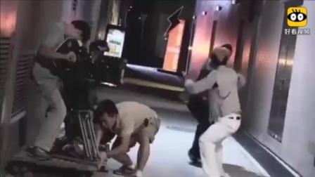 杀破狼花絮: 吴京和甄子丹巷子对打, 镜头里摄影师都被吓到了!