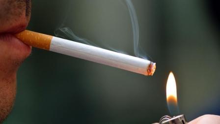 烟瘾多年瘾不掉? 教你1个戒烟小妙招, 保证让你不再抽烟了