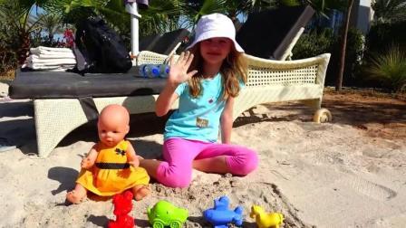 早教益智色彩启蒙: 萝莉和玩偶宝宝一起玩沙子, 学习颜色