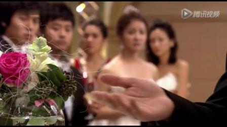 心机女看富二代与她人共舞, 无故打服务员, 可怜了