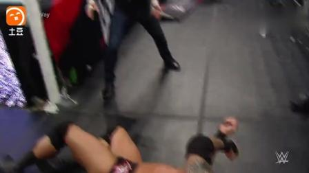 WWE 来张桌子! 2015年有仇必报大赛捍卫者怒摔兰迪-奥顿