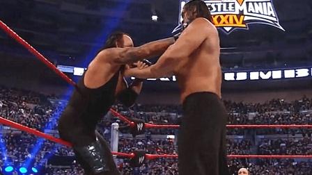 WWE皇家大战, 送葬者在最高巨人卡里面前, 变成了小矮人