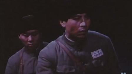 《激战无名川》郭铁为抢救大桥,竟用先烈传下来的扳子代替螺丝