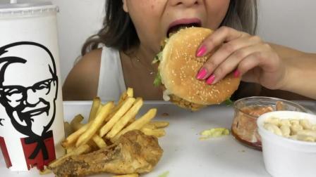国外吃货白发姐, 吃汉堡, 薯条, 鸡腿, 配上一大杯饮料, 吃的真香