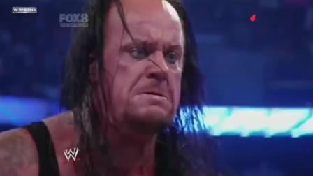WWE送葬者回归, 连续用出4大绝招, 一打四, 无敌!