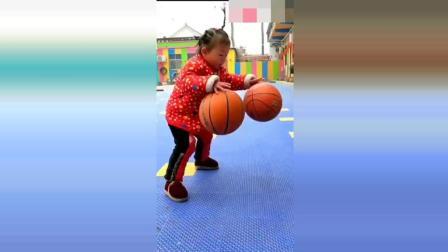 幼儿园老师这样教孩子打篮球,家长看后不敢相信,这是自己家孩子吗