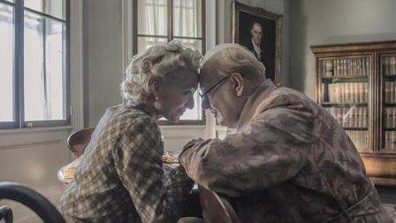 原来, 丘吉尔是个可爱的倔老头。3分钟看完《至暗时刻》