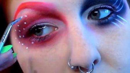 妹子化了一个烟熏眼妆, 出门逛街回头率高
