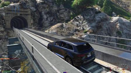 模拟游戏: 奥迪Q7拦截火车, 撞成这样