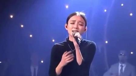 据说这是汪小敏翻唱刘德华最成功的一首歌,小心脏扑通扑通的