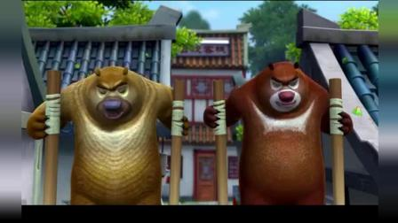 熊出没: 熊大踩着高跷上街了, 踢翻了水果摊踢碎了酒缸