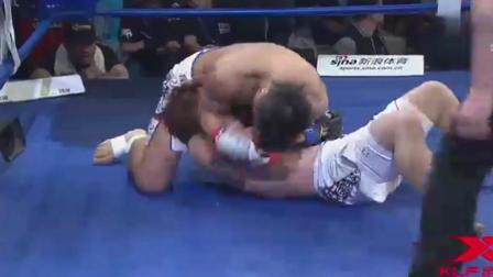 中华猛将见到日本拳手怒下狠手暴打, 直接瘫死台上医生抢救!