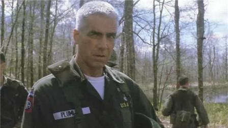 《我们曾经是战士》训练场中,原来长官是这样对待士兵的