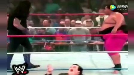 WWE: 送葬者手撕日本国旗, 把八百斤相扑选手打进棺材
