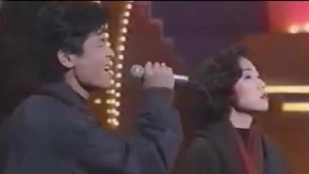 88年王杰与林忆莲深情合唱, 很经典的一首歌曲, 只是曾经再也回不去!