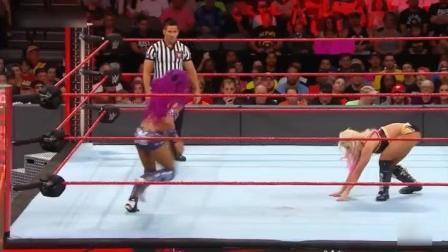 女王莎夏VS阿莱克萨, 这几次膝击居然都没事, 不疼吗