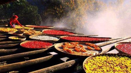 江西的这个地方, 被称为中国最美乡村, 晒秋和油菜花最让人向往