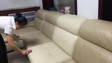 彻底清洁真皮沙发污垢就是如此简单, 不伤皮还能焕然一新!