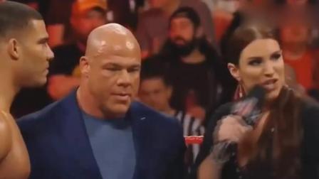 2017巴蒂斯塔回归WWE精彩瞬间, 全场粉丝热血沸腾, 欢呼声震天响