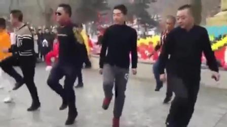 跳广场舞曳步舞前如何做好准备活动最新鬼步舞 鬼步舞教学 鬼舞步基础教学下载 广场