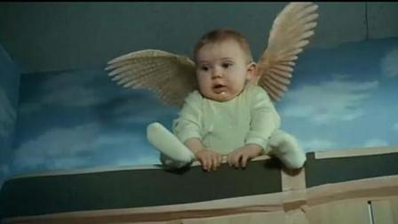 婴儿生有怪病, 突然长出了一对翅膀, 母亲含泪看其飞走!