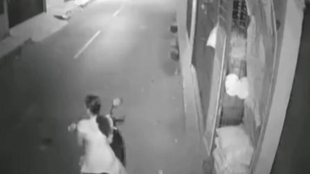 印度女子半夜下班, 监控拍下这么可耻的一幕!