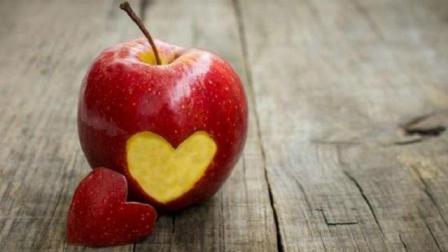 晚上吃苹果好吗? 营养科专家分享吃苹果的最佳时间!