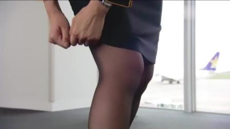 美丽空姐手撕裙子, 大战小偷, 一女战三男, 场面劲爆!