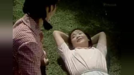 老电影《等到满山红叶时》主题歌: 满山红叶似彩霞