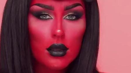 妹子牺牲好大 把自己涂成全身红色就为了扮地狱男爵