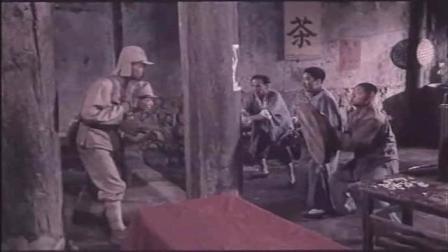 《巧奔妙逃》三兄弟打小鬼子,对方被完虐