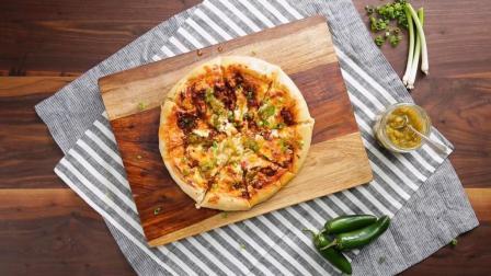 自制美味西班牙香肠奶酪披萨