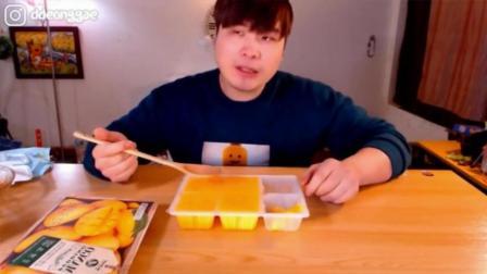 韩国大胃王吃播donkey弟弟吃5个香甜的芒果果肉布丁, 真的能吃啊