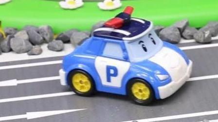 汽车总动员玩具视频 赛车总动员 变形警车珀利 挖掘机 工程车5