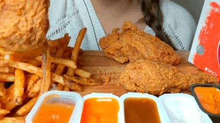 妹子吃炸鸡薯条, 每天这样吃不怕发胖吗