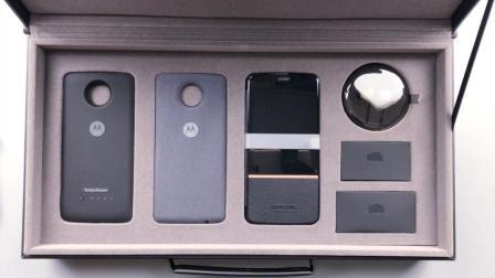 9999元的摩托罗拉手机开箱, 光盒子就值一台iPhone8, 太壕了!