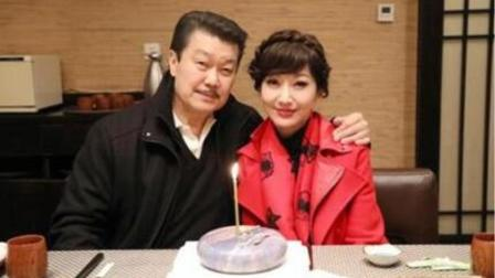 赵雅芝晒给老公庆生照片,蛋糕成亮点,网友:这是爱情最好的样子