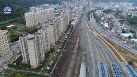 中国工人加了个夜班 外国网友又感受到了中国速度