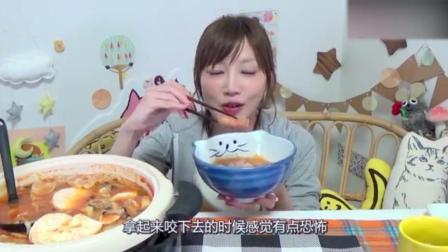 大胃王吃卡芒贝尔番茄芝士火锅外加奶油意大利面, 这有多少热量啊!