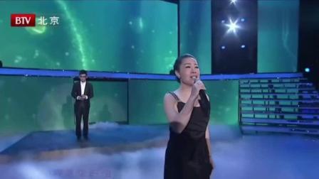 石头现场演唱《雨花石》, 原唱亲自陪唱, 唱出了这首歌的豪迈!