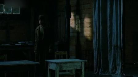 《哈特之战》美国俘虏发现战俘营下的隧道,里面有这些