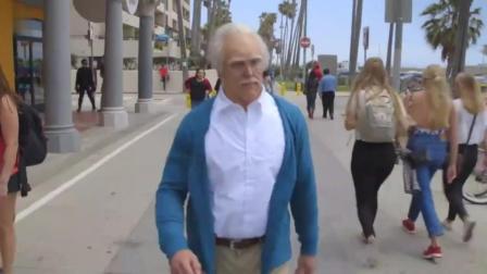 老头在健身房被肌肉男藐视! 结局打脸肌肉男!