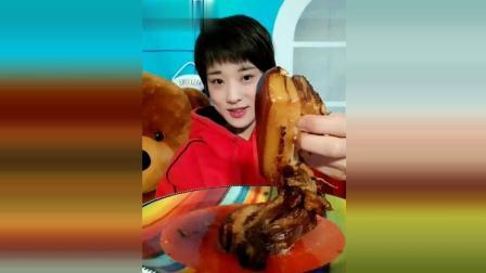 吃货小妮: 先吃红烧肉, 再吃猪头肉, 真过瘾