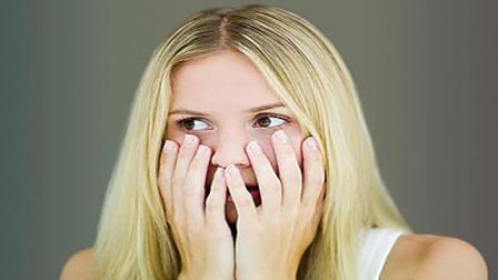 女人月经量少怎么办?一颗冬槐草每天喝一点,轻松保养卵巢调月经!