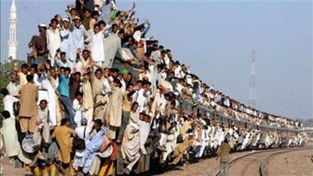 印度7亿造高速列车, 时速140公里, 却想挑战中国高铁