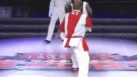 中华武术太极拳真正的实战擂台比赛, 你们看了还崇拜泰拳和搏击么
