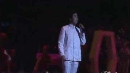85年春晚, 香港歌手吕念祖, 一首《万里长城永不倒》唱响华夏神州