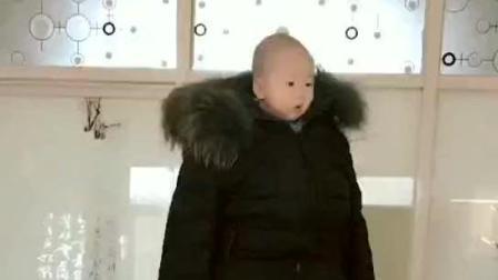 这才是真正的巨婴! 春节过年回家就这样带小孩~