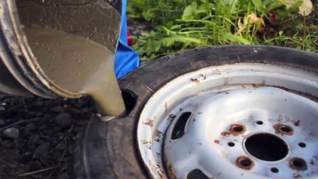 老外把汽车轮胎灌入水泥, 在路上开了一圈回来后, 差点哭了