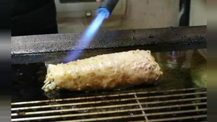 韩国街头美食小吃超大培根蔬菜煎卷, 我的口水都流了一地了